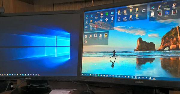 How To Set Different Wallpaper Backgrounds On A Dual Monitor Setup Dual Monitor Wallpaper Monitor Wallpaper Backgrounds