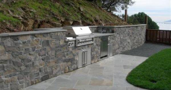 Pin By Jim Glosson On Retaining Walls Backyard Retaining Walls Stone Veneer Wall Retaining Wall