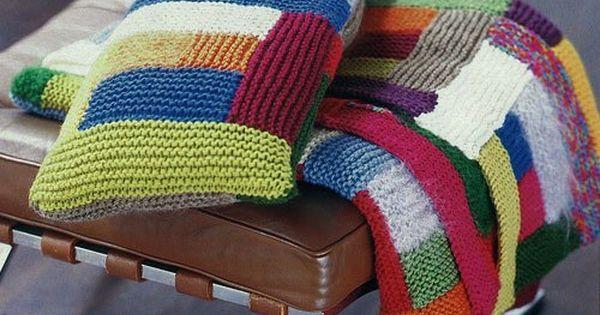 patchworkdecke mit kissen ideal f rs reste stricken decke und kissen verbrauchen selbst den. Black Bedroom Furniture Sets. Home Design Ideas