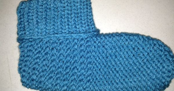 Pinterest Knitting Patterns For Slippers : Free Loomed Goodness: Cuffed Loom Knitted Slippers free knitting loom patte...