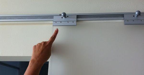 Ikea hackers utiliza los rieles de pax para instalar - Hacer puerta corredera barata ...