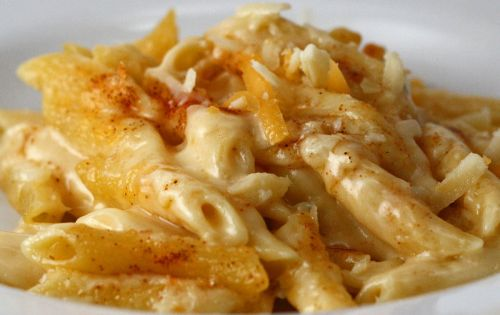 Cheesey Mac and Cheese ======================== Perfect Mac-n-Cheese (serves 4 as a side