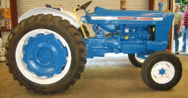 Ford 5000 Tractor Parts 67hp 5000 Replaced By The 70hp 6600 In 1976 Tractors Ford Tractors Vintage Tractors