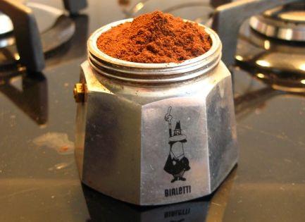 bialetti italian espresso coffee maker do it right 10. Black Bedroom Furniture Sets. Home Design Ideas