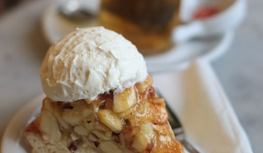 Apple pies, Pies and Apples on Pinterest