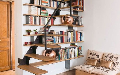 Cool Bookshelf Idea That Makes Use of Staircase Space
