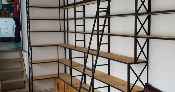 Bibliotheques De Style Industriel La Maison De L 39 Imaginarium Etagere Industrielle