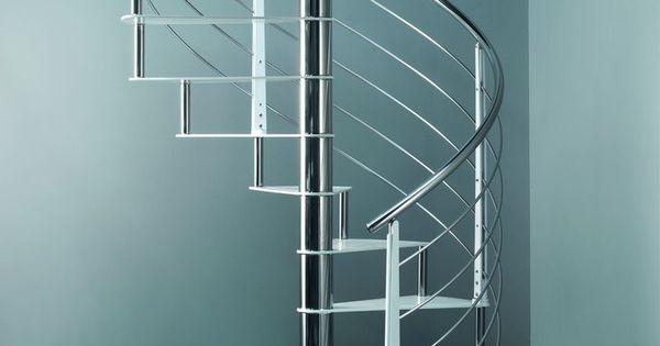Escaleras de interior flo la nueva colecci n asequible de - Escalera caracol prefabricada ...