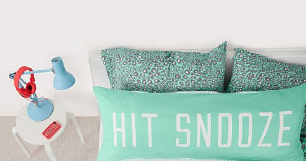 So cute for a dorm room - love the pillow and the bedding! Want...Need...Love! Pinterest ...