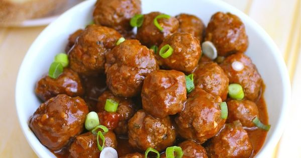 Saucy and a bit spicy - a great appetizer! Spanish-style Meatballs appetizers