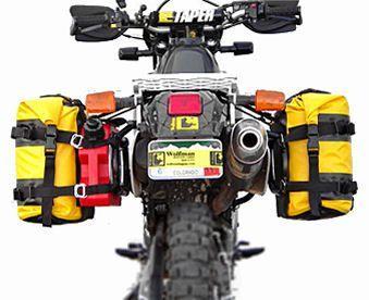 Una Motocicleta Bien Equipada Puede Ser Una Excelente Alternativa Para Salir De Las Ciudades En Ca Motorcycle Camping Motorcycle Luggage Adventure Motorcycling