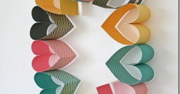 Jolie couronne de coeurs en papier bricolages de no l for Coeur couronne et miroir apollinaire