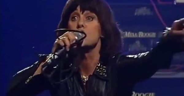 Suzi Quatro If You Can T Give Me Love Live 1997 My Love Give It To Me Youtube