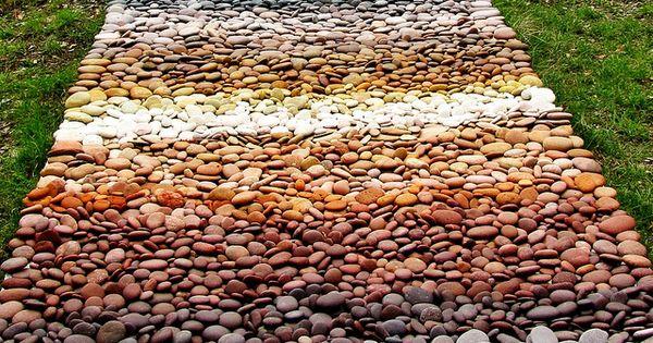 Pin de wilson mendez en artesanias en roca pinterest for Mosaicos para jardin