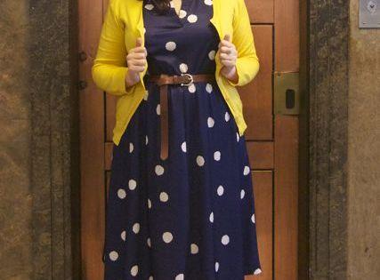 curvy office fashion
