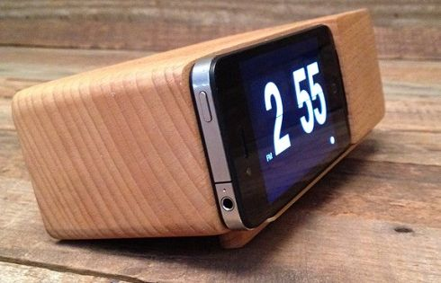 $42.0000 Place an iPhone or iPod Touch running a flip clock app