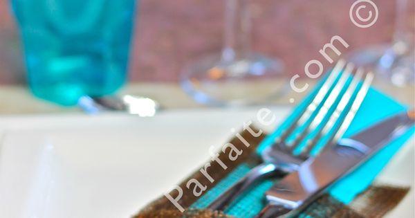 Pochette porte couverts et serviette de la d coration de for Decoration de table bleu turquoise