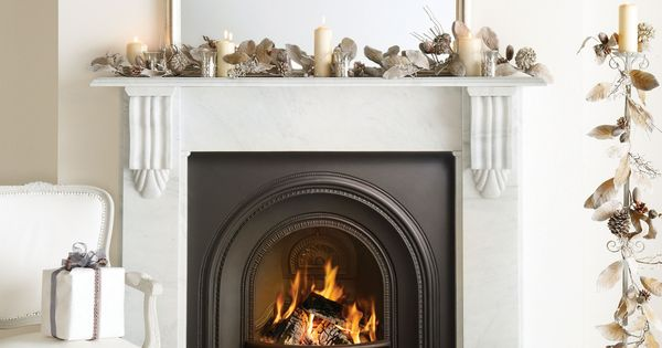 Amazing christmas fireplace setting all i want for Fireplace setting ideas