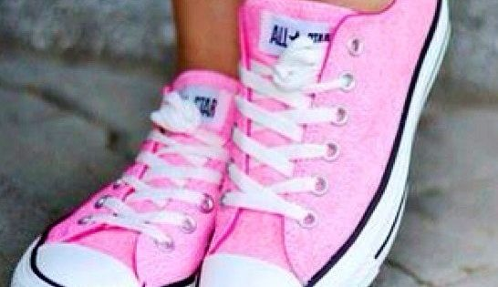 Anyone who knows me knows I hate pink. But the fact that these converse are cute may convince me otherwise | See more about Converse, Pink Converse and Pink.