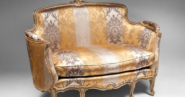 Early 20th c louis xv settee or canape painted giltwood for Canape history