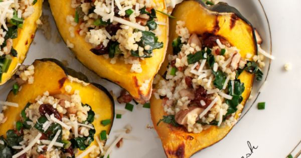 stuffed acorn squash with kale creminis rezept. Black Bedroom Furniture Sets. Home Design Ideas