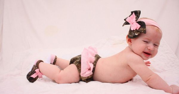 Baby girl camo Realtree gift set, diaper cover, shoes, hair bow. $35.00,