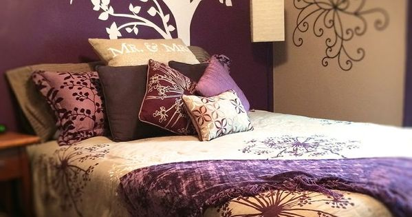 Deep purple accent wall bedroom bedroom decorating ideas for Deep purple bedroom ideas