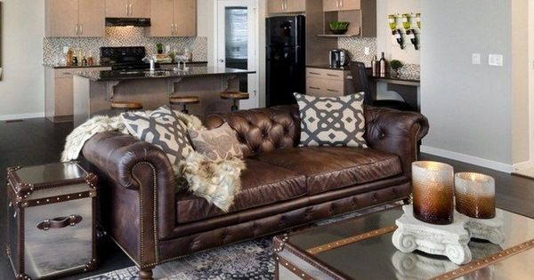 Brown Leather Sofa Chesterfield Living Room Coffee Table Chest Mirrored Surfa