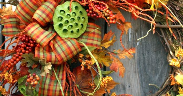 Sweet Something Designs: Dipped Lotus Pod Wreath Nice Fall wreath.