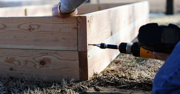 How to build raised vegetable gardens - The Pioneer Woman.