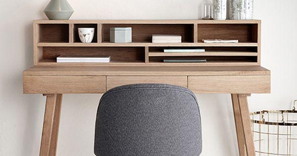 der kleine schreibtisch lis von h bsch interior ist skandinavisches design pur denn der. Black Bedroom Furniture Sets. Home Design Ideas
