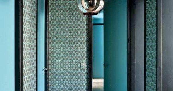 Bleu p trole bleu canard bleu paon ce corridor for Decoration bleu canard