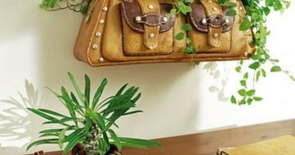 ... schuhe tasche pflanzenkübel benutzen  deko  Pinterest  Basteln