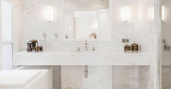 salle de bain marbre blanc pour afficher une classe intemporelle bathroom inspiration. Black Bedroom Furniture Sets. Home Design Ideas
