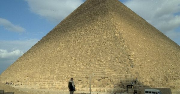 math used building great pyramid Alignment of the pyramids to true north the great pyramid's north-south axis is aligned to within three-sixtieths of a degree of true north-south.
