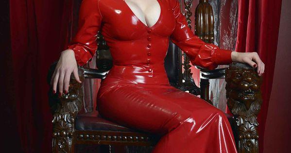 Morrigan Hel Modelling Wanda Amp Stella Photograph 169 Murder
