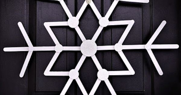 Christmas Crafts: The Ballard Bunch: {let it snow} Popsicle Stick Snowflake, cute!