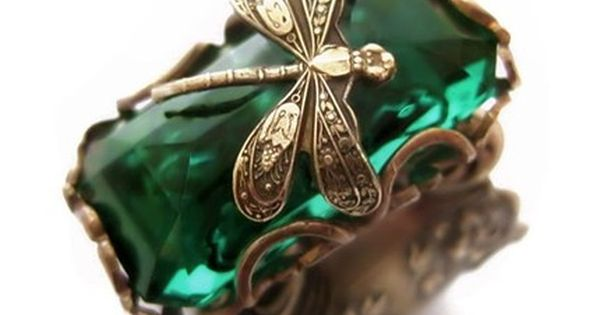 Emerald dragonfly ring