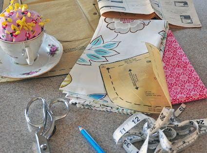 Simple Simon & Company: Pattern cutting 101. P.S. cute tea cup pincushion
