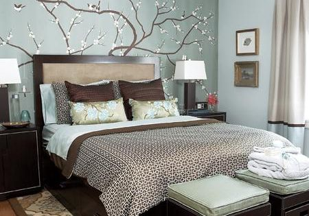 Blue and brown bedroom color scheme.