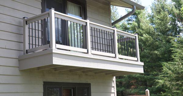Classic Round Aluminum Balusters By Deckorators Deck Railing Design Balcony Design Aluminum Balusters