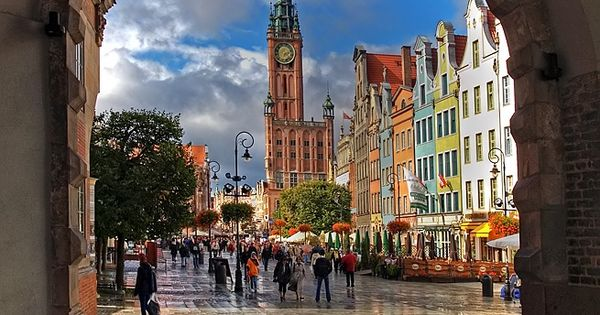 Long Market Street, Gdansk, travel tips| http://travelguidecarlie.blogspot.com