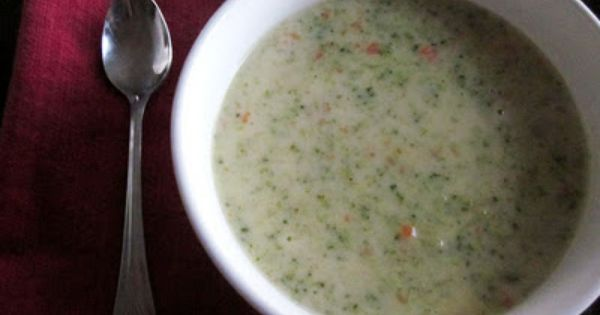 Creatively Domestic: Broccoli Cheese Soup (copycat of Panera's)