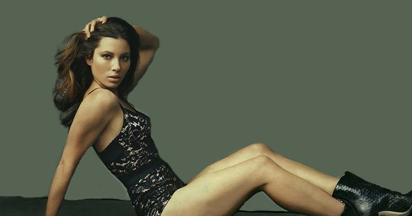 Jessica Biel Dons Lingerie, Does The Six-Day Diet (PHOTOS ...