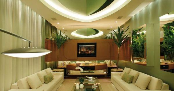 Luxus wohnzimmer gestalten in gr n sofas decke dekoration - Dekoration glastisch ...