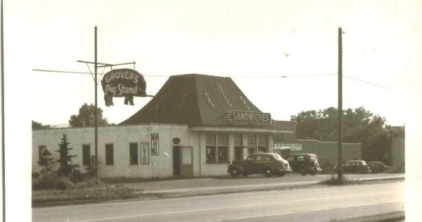 Grover S Pig Stand Yum I Remember Their Sandwiches