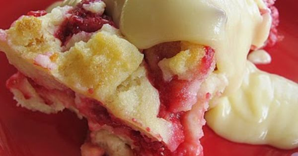 Raspberry Bread Pudding Recipe with Vanilla Cream Sauce - I love 'fruity'