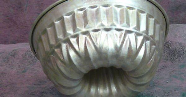 Pin Auf Vintage Baking Molds Tins Pans