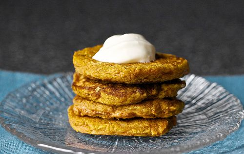 Carrot cake pancakes w/cream cheese topping (via smitten kitchen, adapted from joy
