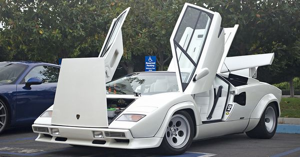 white lamborghini countach wolf of wall street car lamborghini 39 s legendary countach. Black Bedroom Furniture Sets. Home Design Ideas